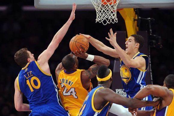 好懷念老大啊,當年整個NBA是這樣防守老大的!(圖)