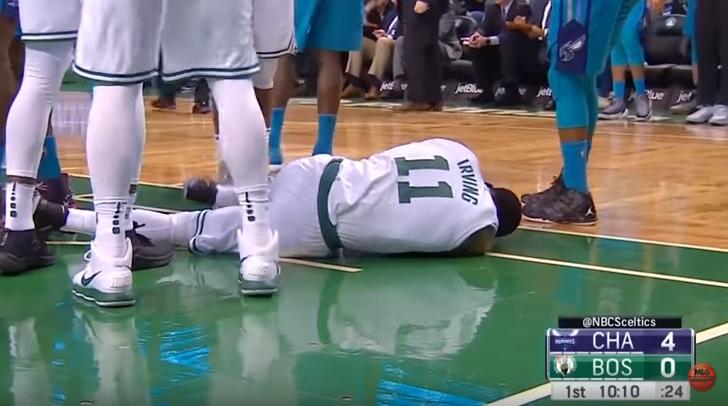 【影片】厄文遭隊友肘擊面門血流不止,傷退做腦震盪測試!