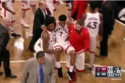 【影片】Lowry重摔傷到臀部無法站立,快來人給我的屁股做個X光!