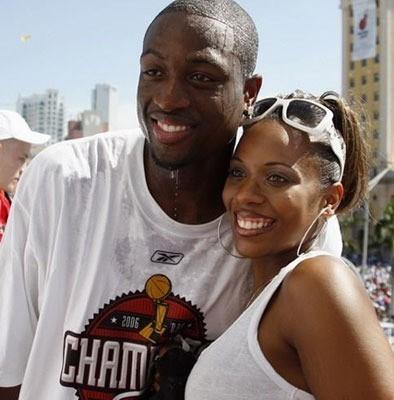 一年內被前妻狀告13次,韋德最後花了多少錢才成功離婚?-籃球圈