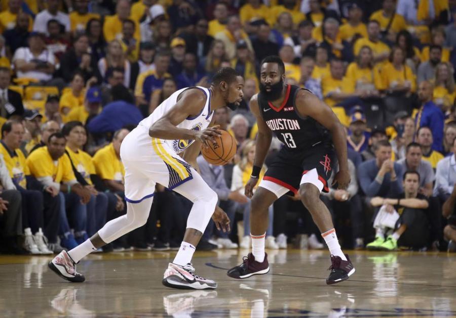 怎麼看聯手哈登?杜蘭特微微一笑:等交易完成後再談,還沒正式達成呢!-黑特籃球-NBA新聞影音圖片分享社區