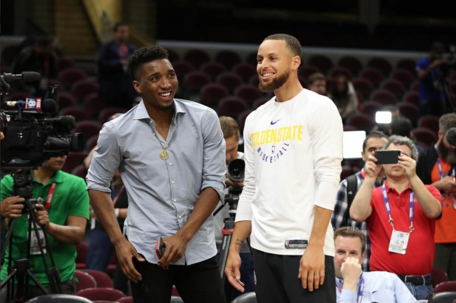 Mitchell用240場命中600顆三分球,你們知道Curry的1000顆三分用了多少場嗎?