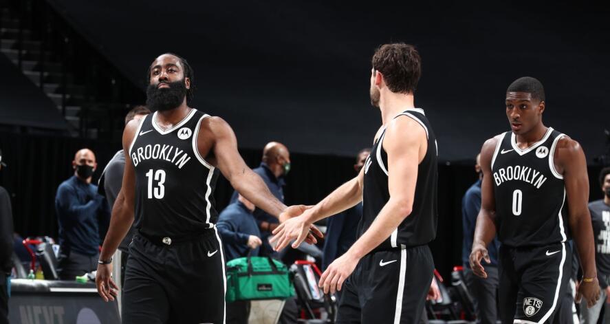 認真的大鬍子有多可怕?哈登指點隊友一幕讓球迷欣慰,一人兩戰就創造了129分!(影)-籃球圈