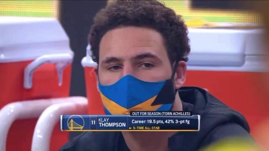 【影片】湯神歸來!K湯今日比賽坐在勇士板凳席後方,科爾:目前沒有讓他隨隊出行的計劃!-籃球圈