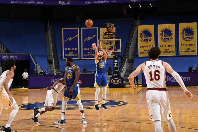 狂飆7顆三分輕取36+6!Curry把比賽變成藝術,比肩95-96賽季喬丹!(影)