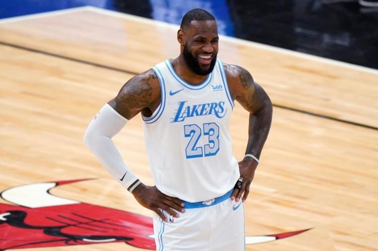 與MVP漸行漸遠?詹姆斯體力不支,湖人3連敗,還有一個壞消息!-黑特籃球-NBA新聞影音圖片分享社區