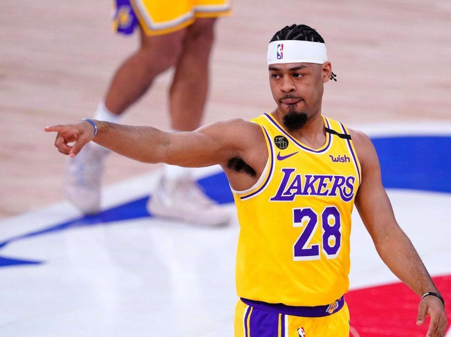 湖人輸球後有大動作!將裁掉後衛Cook,為買斷市場提供更多靈活性!-黑特籃球-NBA新聞影音圖片分享社區