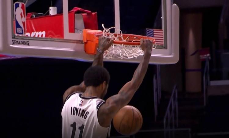 【影片】Curry要羨慕了!厄文快攻貢獻折疊暴扣,厄文:我可不只是會運球變向!-黑特籃球-NBA新聞影音圖片分享社區