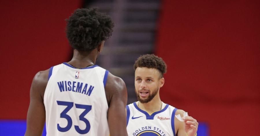 情商高!Curry外界對Wiseman的批評:我在19歲的時候,還在四處找兄弟們開Party!-籃球圈