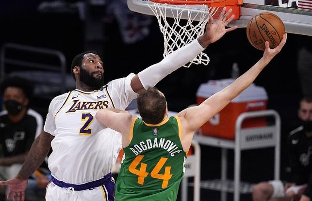 抓猛哥暴砍27+8,在場淨胜18分全隊最高,他已找到關鍵時刻武器!(影)-黑特籃球-NBA新聞影音圖片分享社區