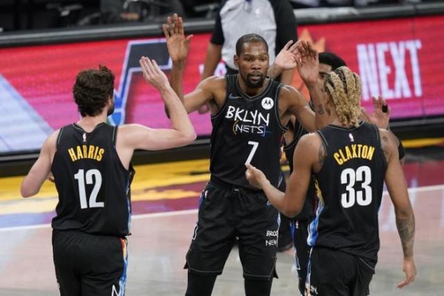 杜蘭特首節沒打真因曝光!杜蘭特對此並無怨言,服從安排,而幹籃哥被打服了!-黑特籃球-NBA新聞影音圖片分享社區