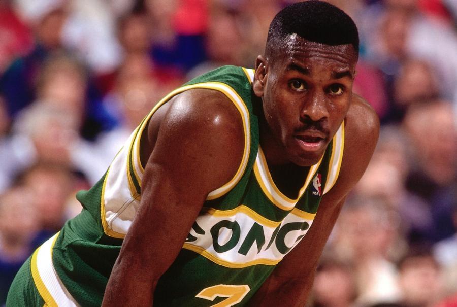 美媒評NBA歷史前十防守者,籃球之神第4,三大巨星同列第9,現役球星一人上榜-黑特籃球-NBA新聞影音圖片分享社區