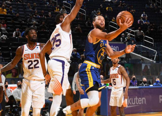 手感不佳三分11中1,柯瑞瘋狂打鐵僅得21分,得分王之爭懸念再起!(影)-黑特籃球-NBA新聞影音圖片分享社區