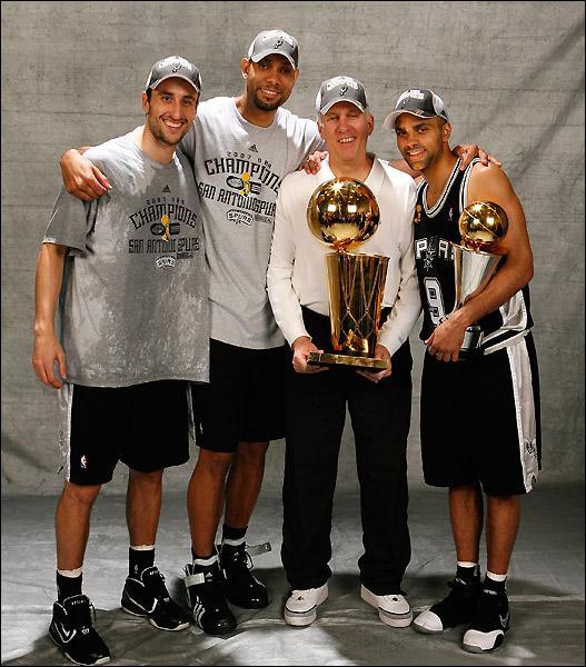 【影片】Duncan正式入選名人堂!Manu、Parker和Popovich到場見證,石佛:你們是我見過最好的人!-黑特籃球-NBA新聞影音圖片分享社區