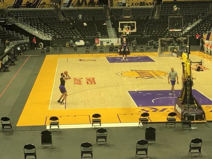 0+0+0+0+0!湖人贏球夜,他卻不滿自己表現,獨自留在球館加練!-黑特籃球-NBA新聞影音圖片分享社區