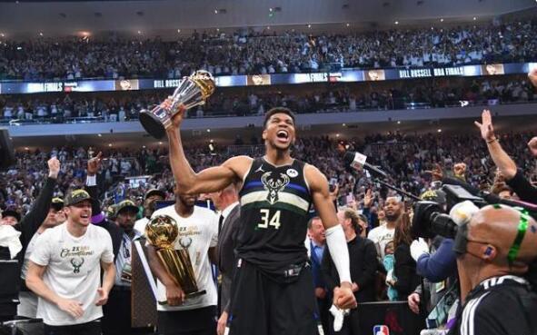 只會跑和灌籃?字母哥回應哈登的沒技術言論,球迷:拿冠軍後情商也見漲了!-黑特籃球-NBA新聞影音圖片分享社區