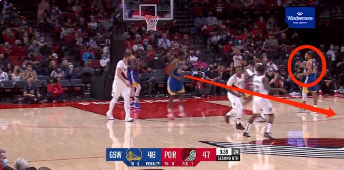 【影片】柯瑞指正Wiggins錯誤跑位後,立馬送出精彩助攻,解說驚歎:這球怎麼傳的?-黑特籃球-NBA新聞影音圖片分享社區