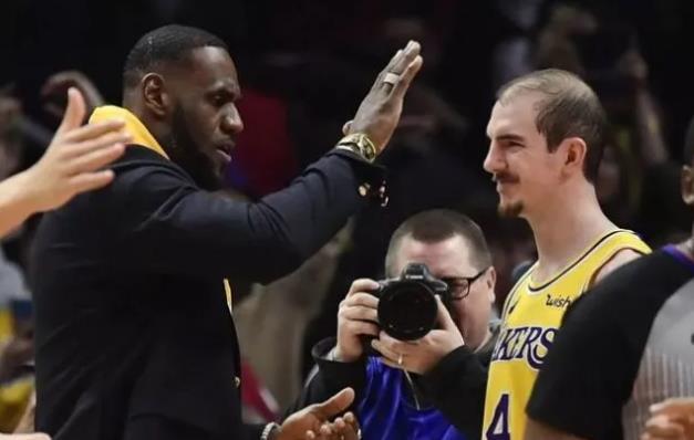 感謝詹姆斯!禿曼巴:多虧了他我才有今天,能拿3700萬合同全靠他!-黑特籃球-NBA新聞影音圖片分享社區